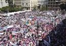 La Escuela Concertada de Torrent se concentra en Valencia junto a 40.000 personas contra los recortes del Consell