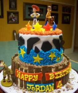 11 Hermosas tortas decoradas de Woody (5)