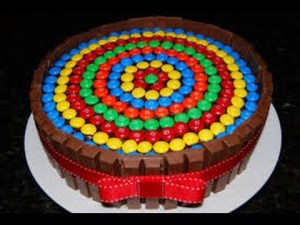 10 tortas decoradas con rocklets (2)