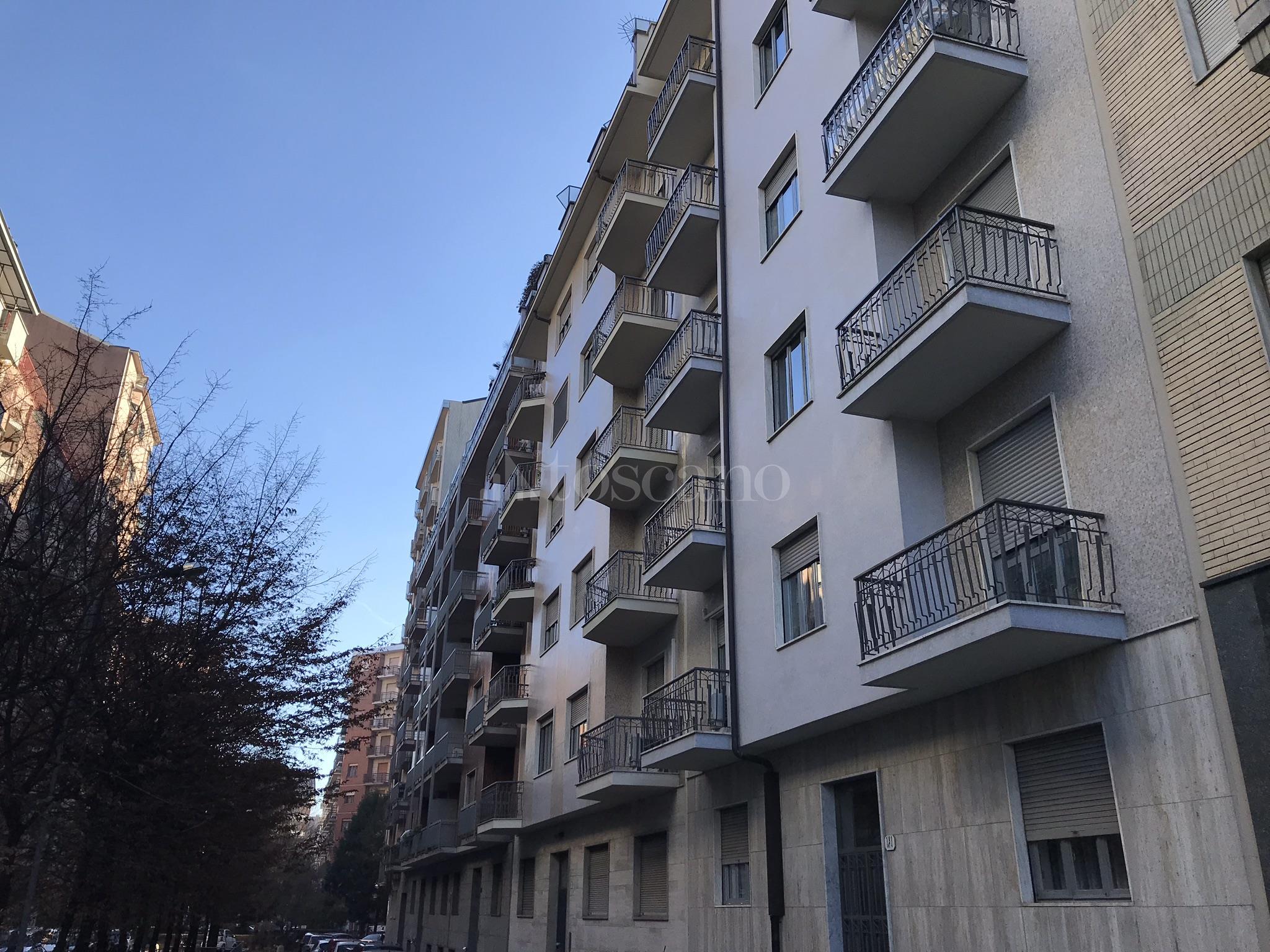 La Credenza Orbassano : Ufficio casa orbassano villetta bifamiliare in vendita via