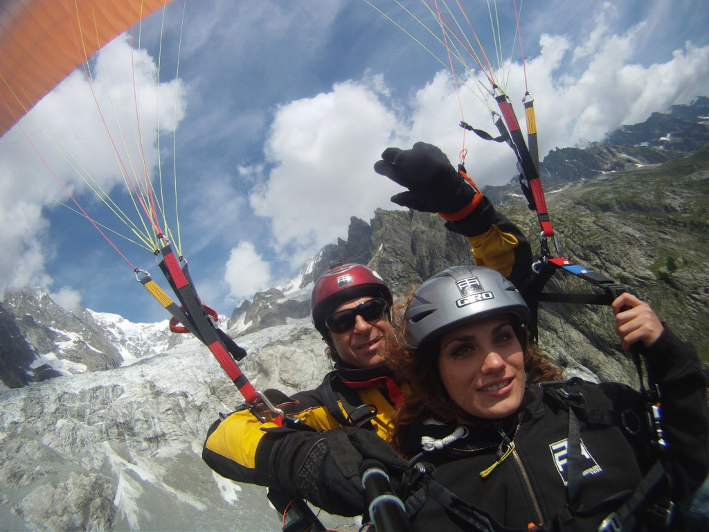 Sport Flying Paragliding In Aosta Valley Flying In The Heart Of The Italian