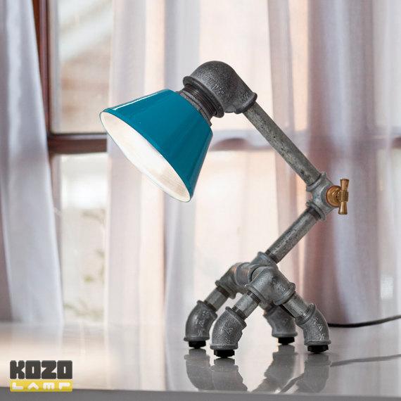 KOZO 22 desk lampa z galvanizovaneho zeleza