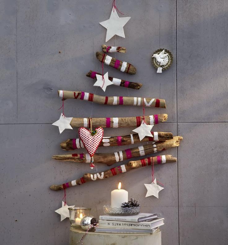 65 pomalovane konare ako vianocny stromcek
