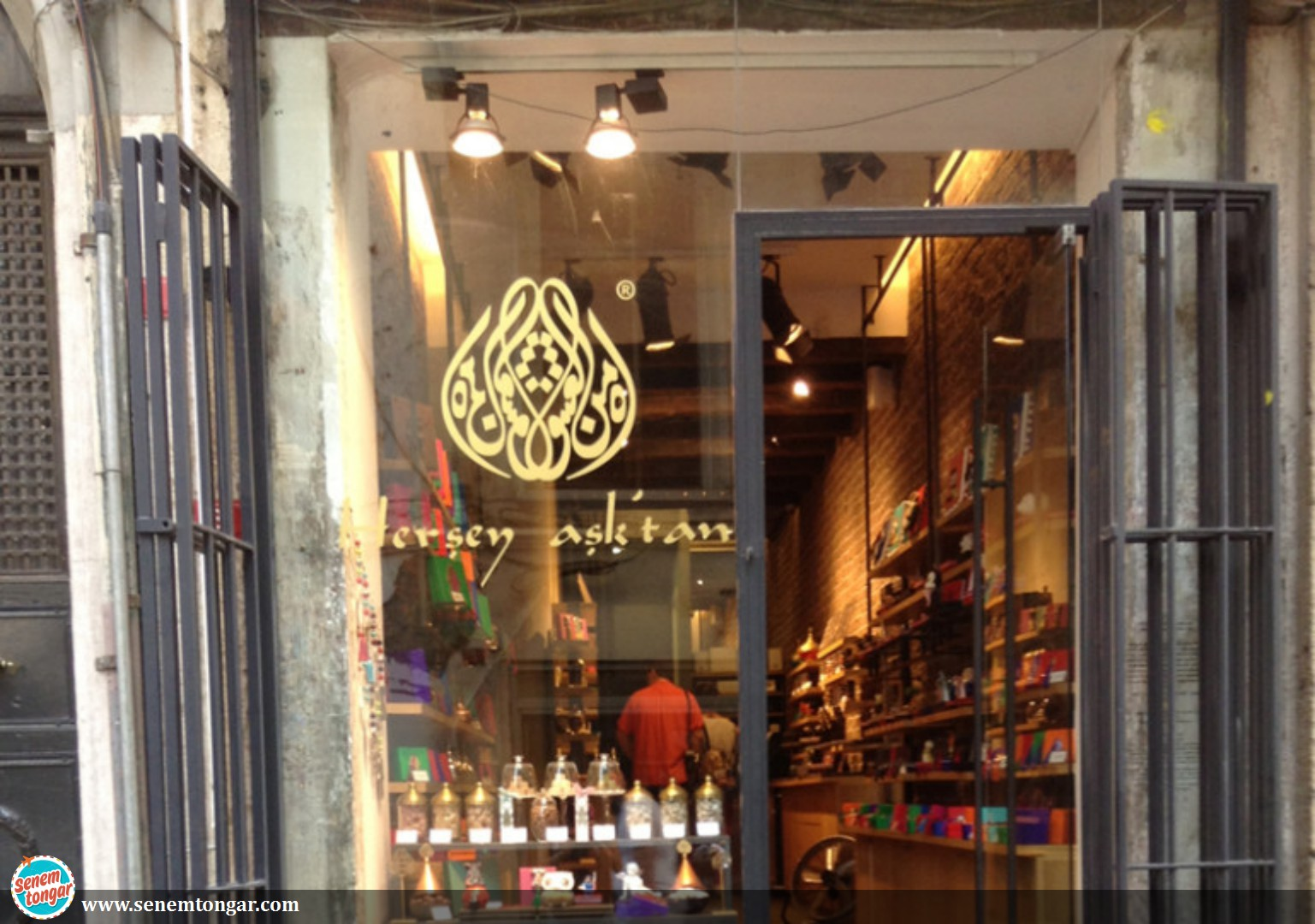 All Comes From Love, A Shop in Galata