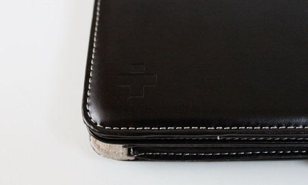 simplism_ipad_flip_leather_3.jpg
