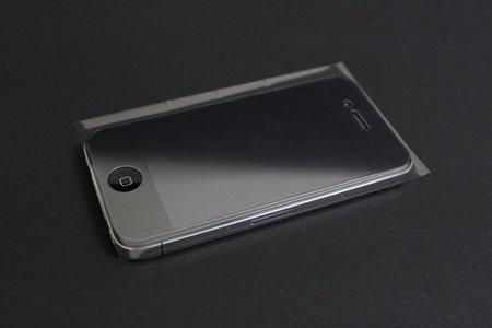 afp_crystal_film_set_iphone4_6.jpg