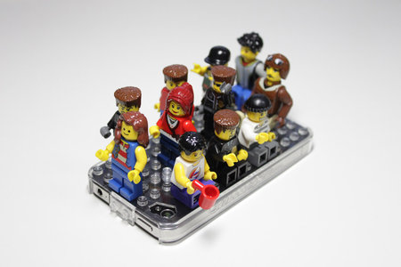 iphone_brickcase_12.jpg
