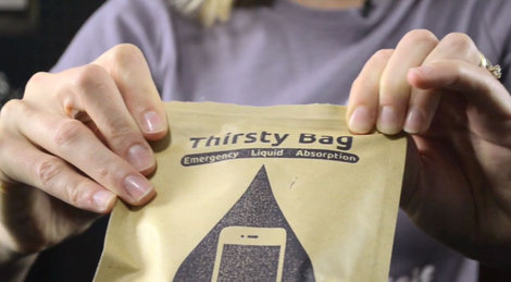 ifixit_thristy_bag_5.jpg