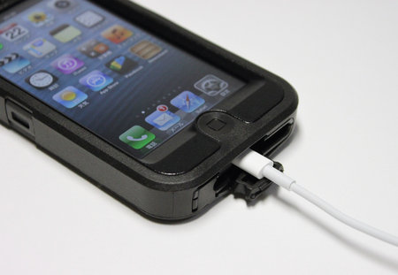 otterbox_defender_for_iphone5_10.jpg