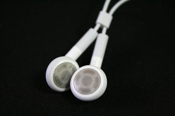 apple_earphone_2_.jpg