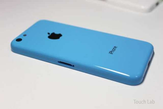 iphone5c_backpanel_blue_white_green_04