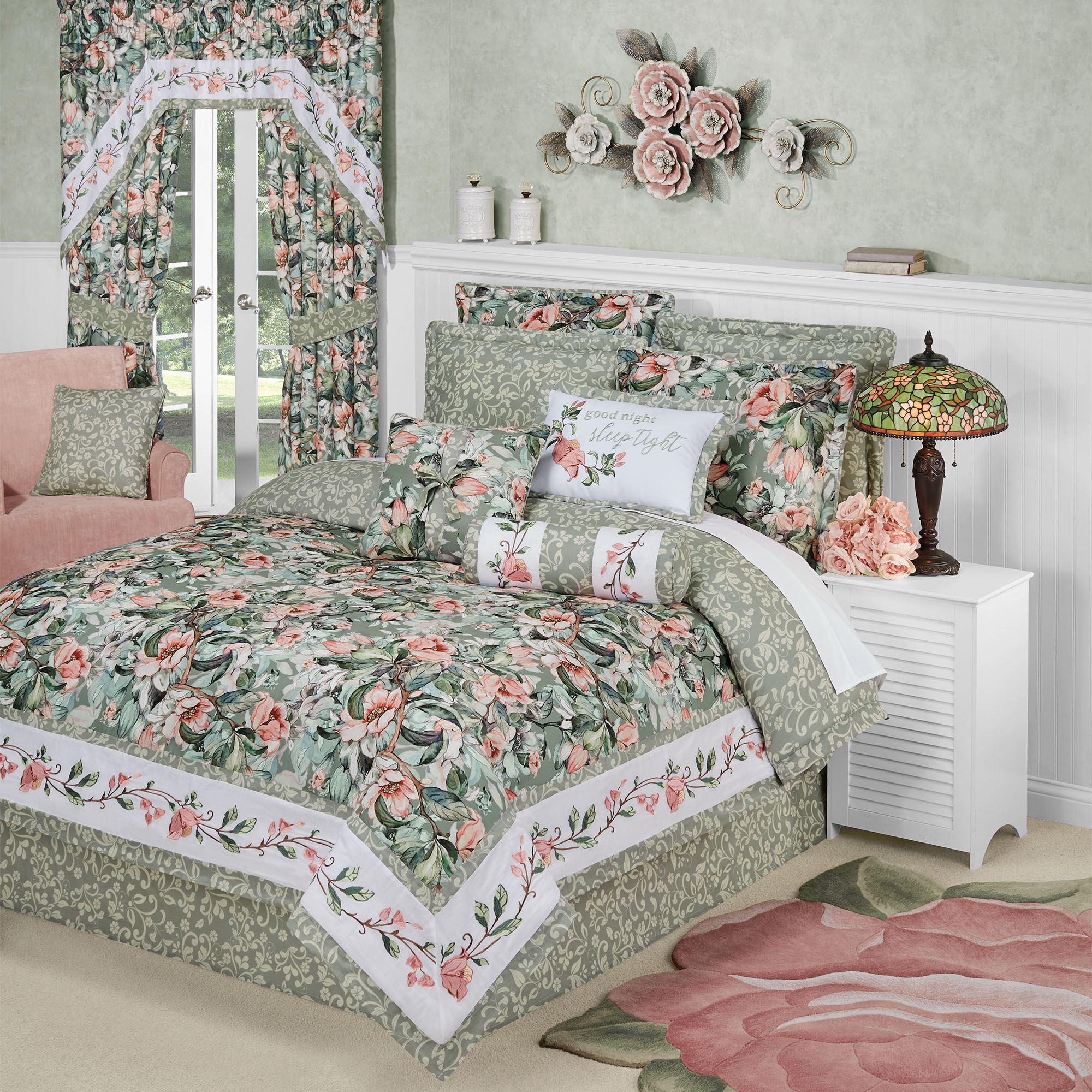 Catalina Reversible Floral Lightweight Comforter Bedding