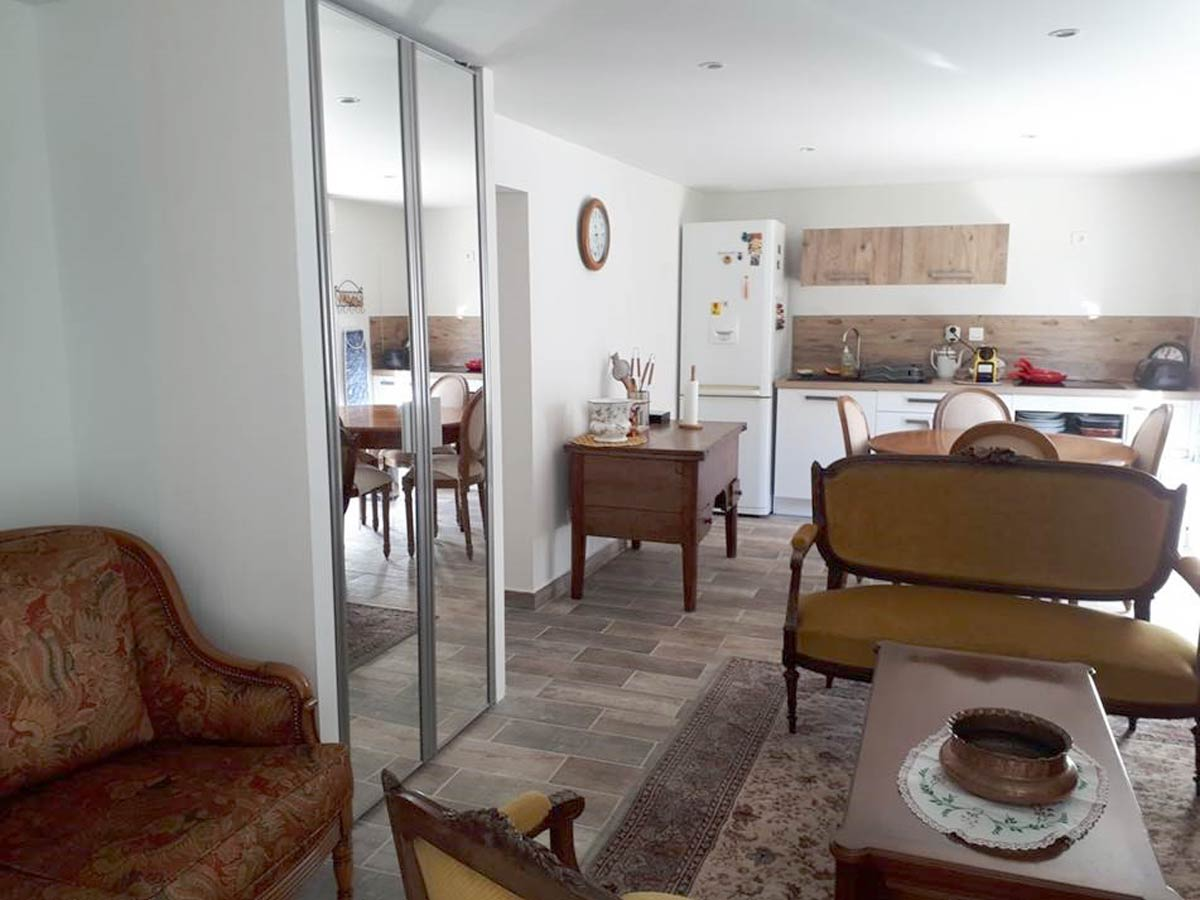 apartment in a villa for up to 2 people toulon ouest tourism