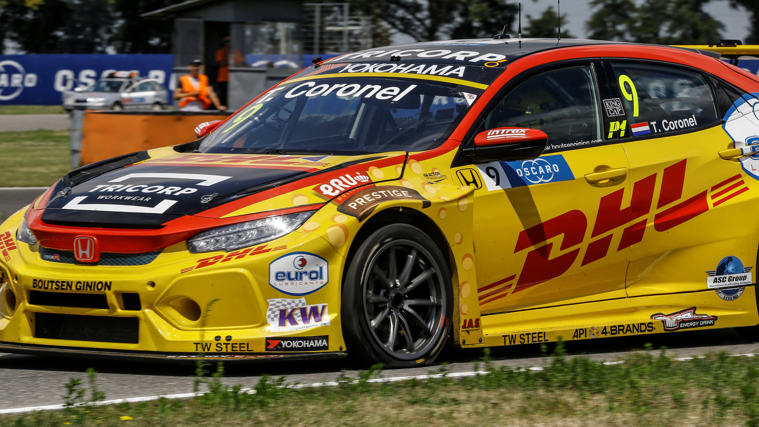 Tom Coronel Tom Coronel Hopes Tyre Puncture Issues Have Been Resolved