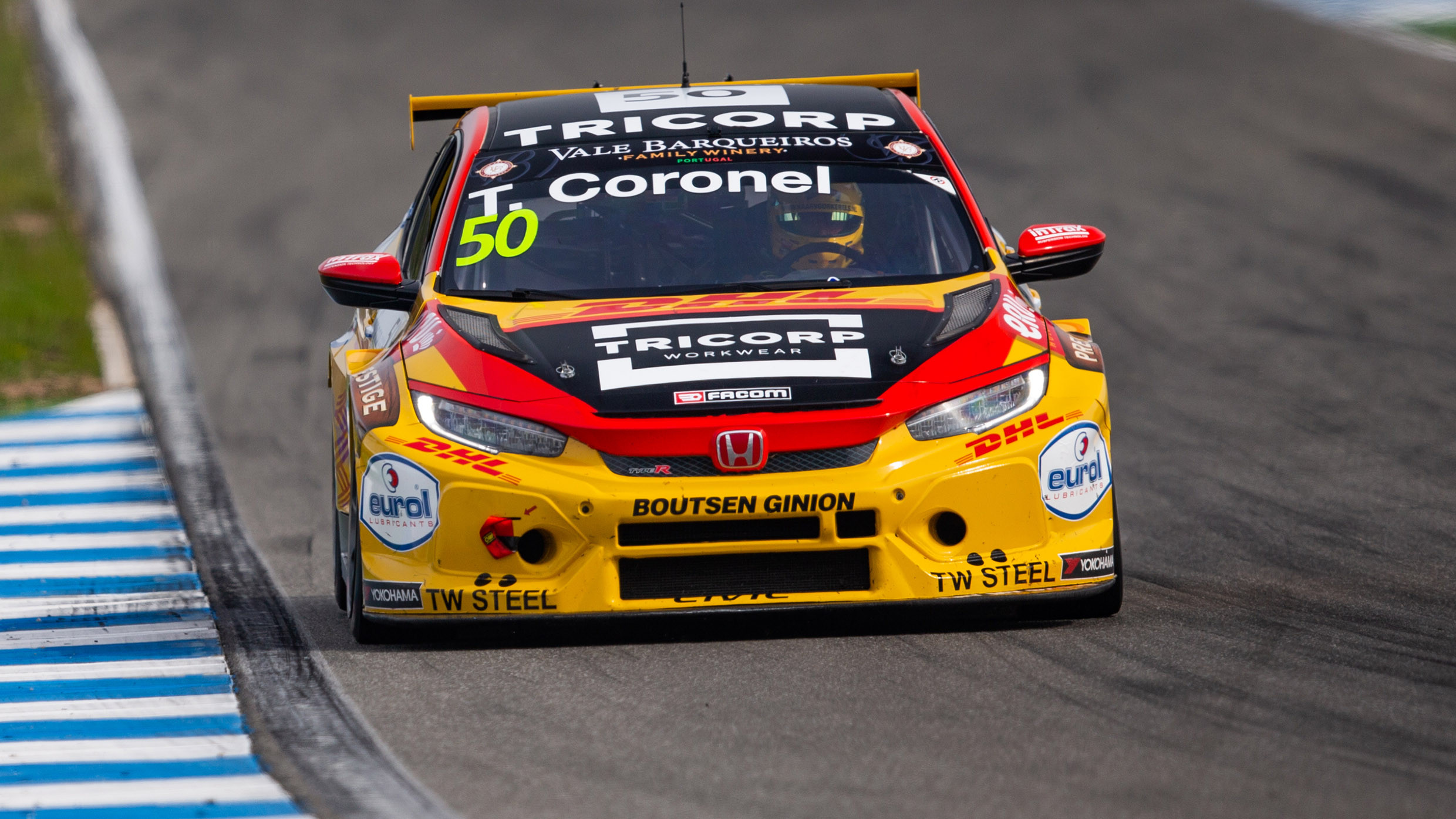 Tom Coronel Tom Coronel Enjoys His First Tcr Europe Series Race As He Moves Up