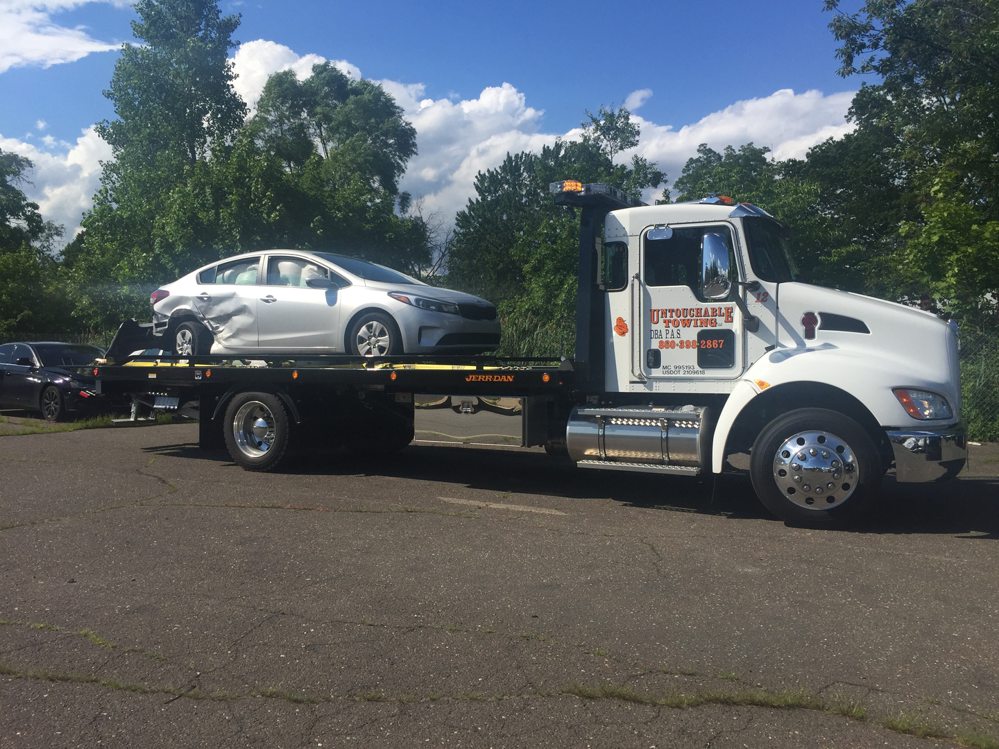 Tow Truck Connecticut Towing 1 860 398 2867 A Ct Towing Truck Company