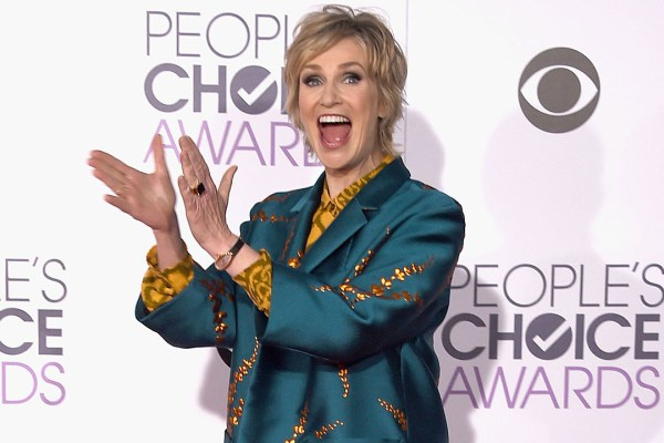 2016 People39s Choice Awards Red Carpet Gallery
