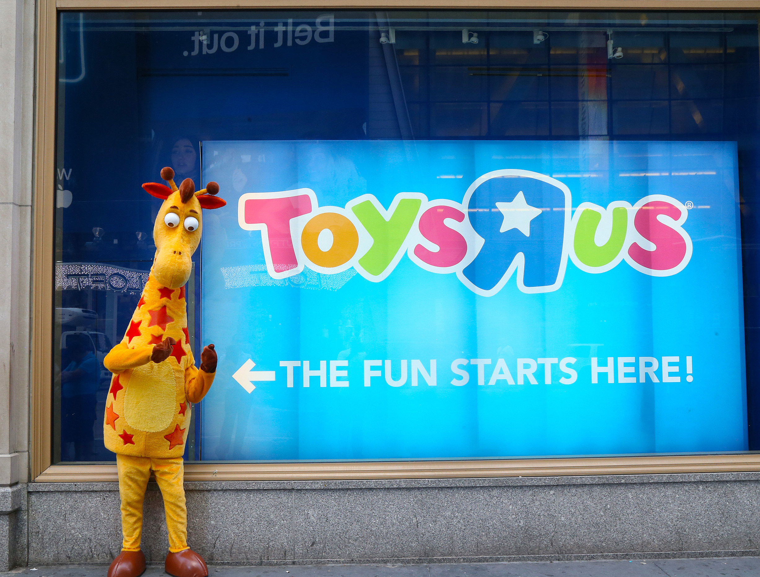 Toy Box Toys Geoffrey S Toy Box What S Next For Toys R Us In Danbury