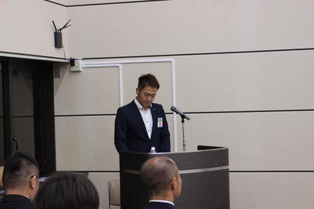 出席者の確認をする山田委員