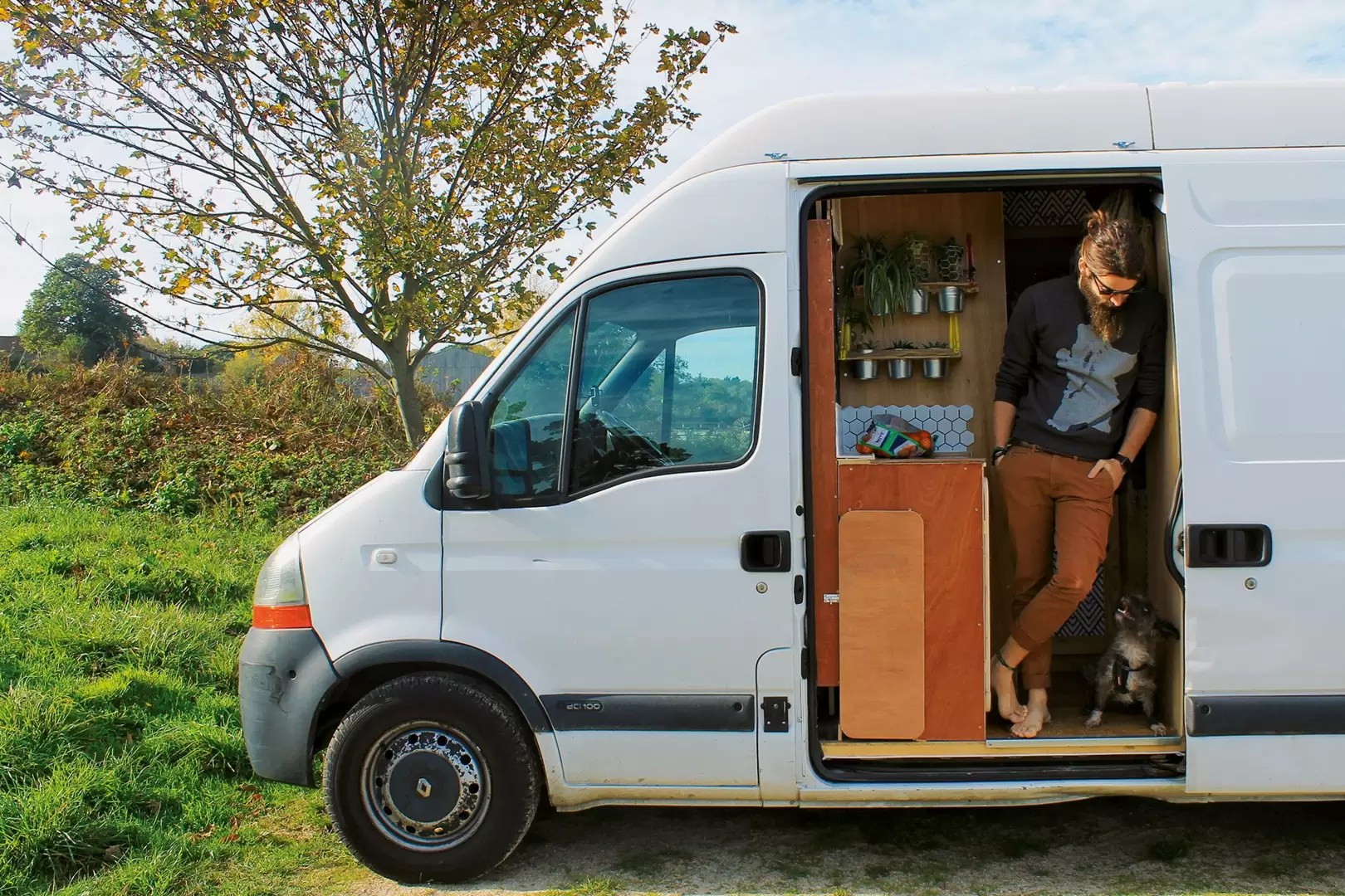 Sofa Van Lifa Living Van Life Ideas Foster Huntington And The Millennial Nomads Living