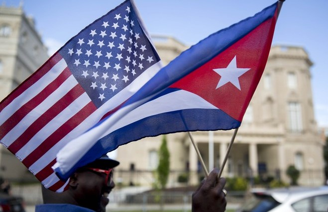 america_cuba_flags