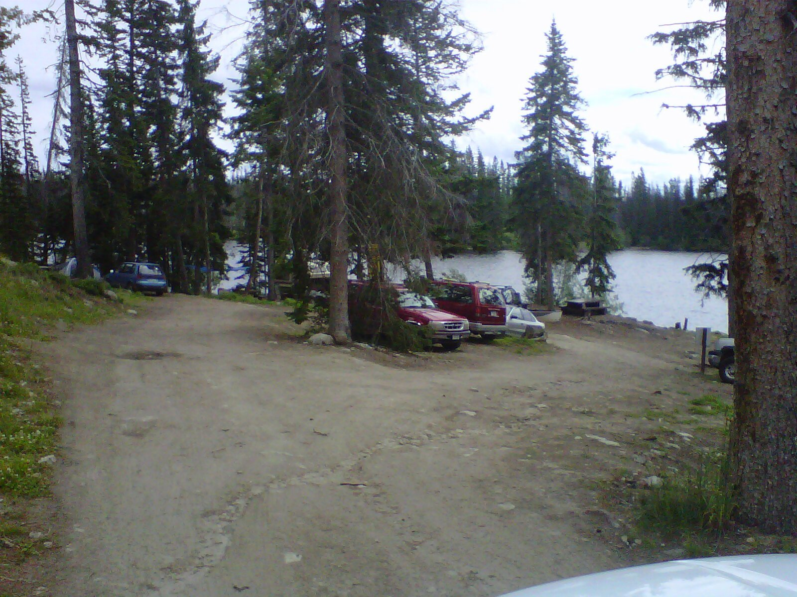 Free Camping at Oyama Lake Recreation Site - if you are willing to jockey for space.