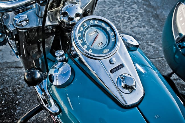 Harley-Davidson-Panhead-gauge-gastank