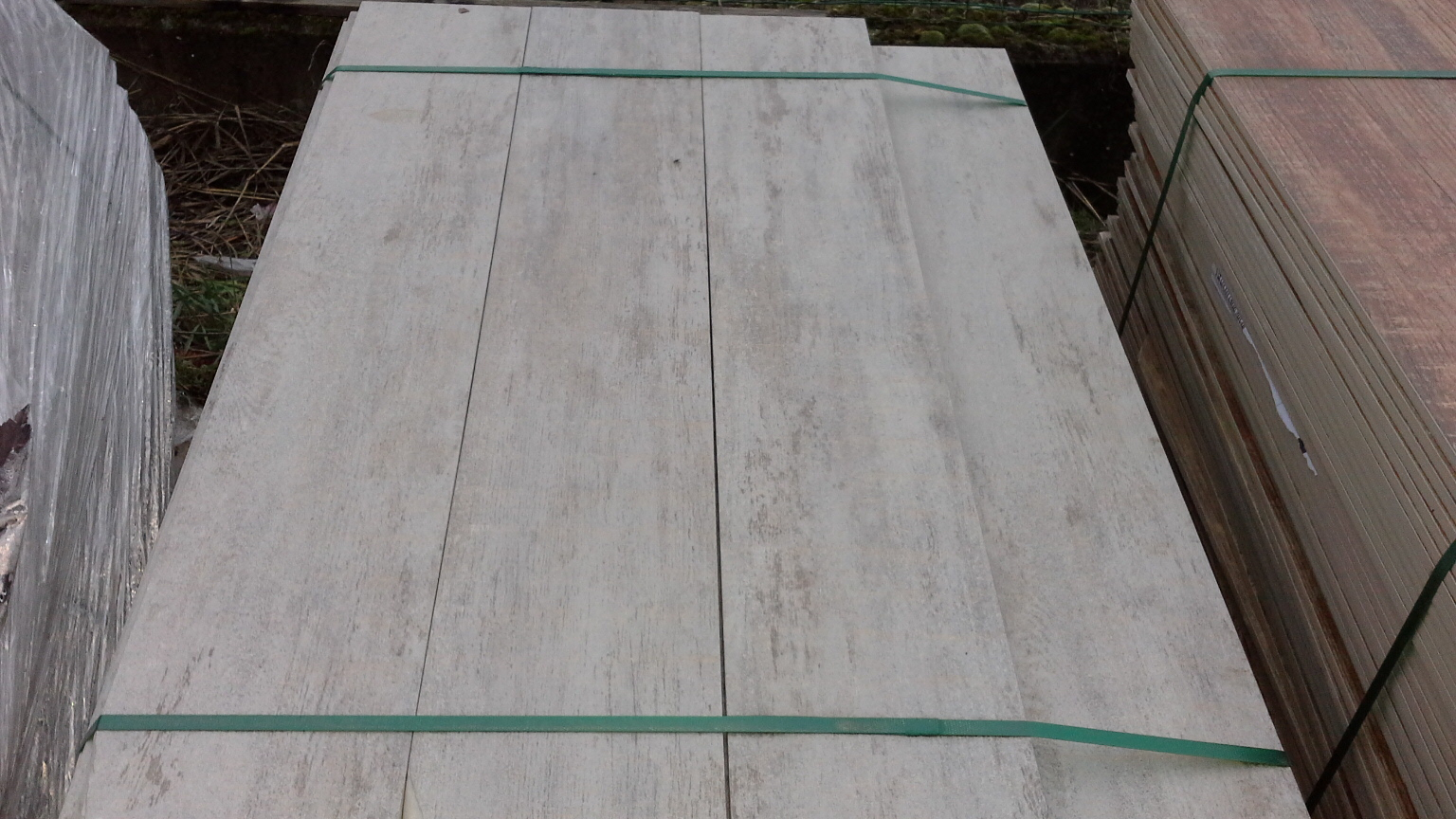 Stock piastrelle per esterni garden gres porcellanato per giardini