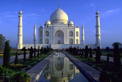 TajMahal Top 10 Tourist Destinations in India
