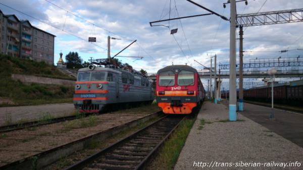 シベリア鉄道ЭД4М(ED4M)とВЛ10(BL10)画像