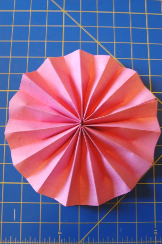 paper rosette tutorial Tried to follow your tutorial for rosettes and everything went fine up until trying to get it into a rosette shape by pressing on the outer edge this totally does not work tried with thick paper first and didn't work.