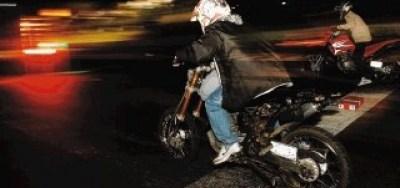 picadas-motos-noche