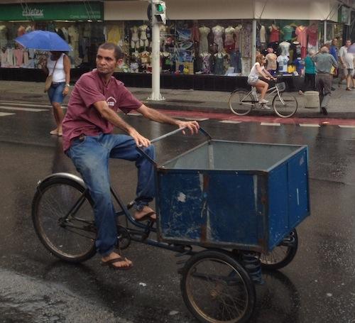triciclo-mulher-copacabana