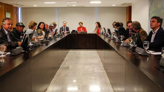 Presidenta Dilma Rousseff recebe representantes de Movimentos Urbanos. (Brasília - DF, 25/06/2013) Foto: Roberto Stuckert Filho/PR