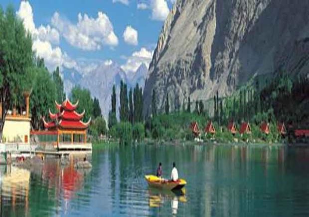 Mobile Phone Fall Wallpapers Shangrila Resort Gilgit Contact Room Rent Booking