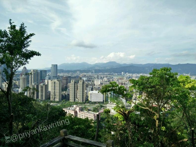 Elephant hiking trail city view
