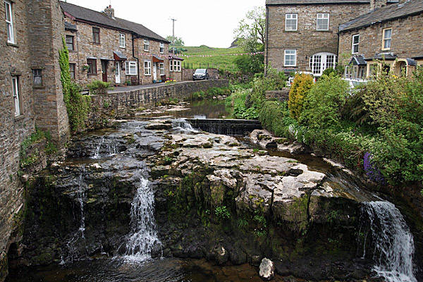 Hawes Yorkshire Tourist Information Guide