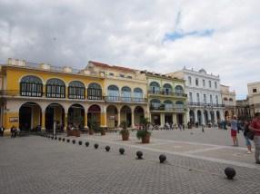 Plaza Vieja, Havanna, Kuba, Kolonial, Stil, Bau, Spanisch, renoviert, Platz, historisch, Kanonenkugeln