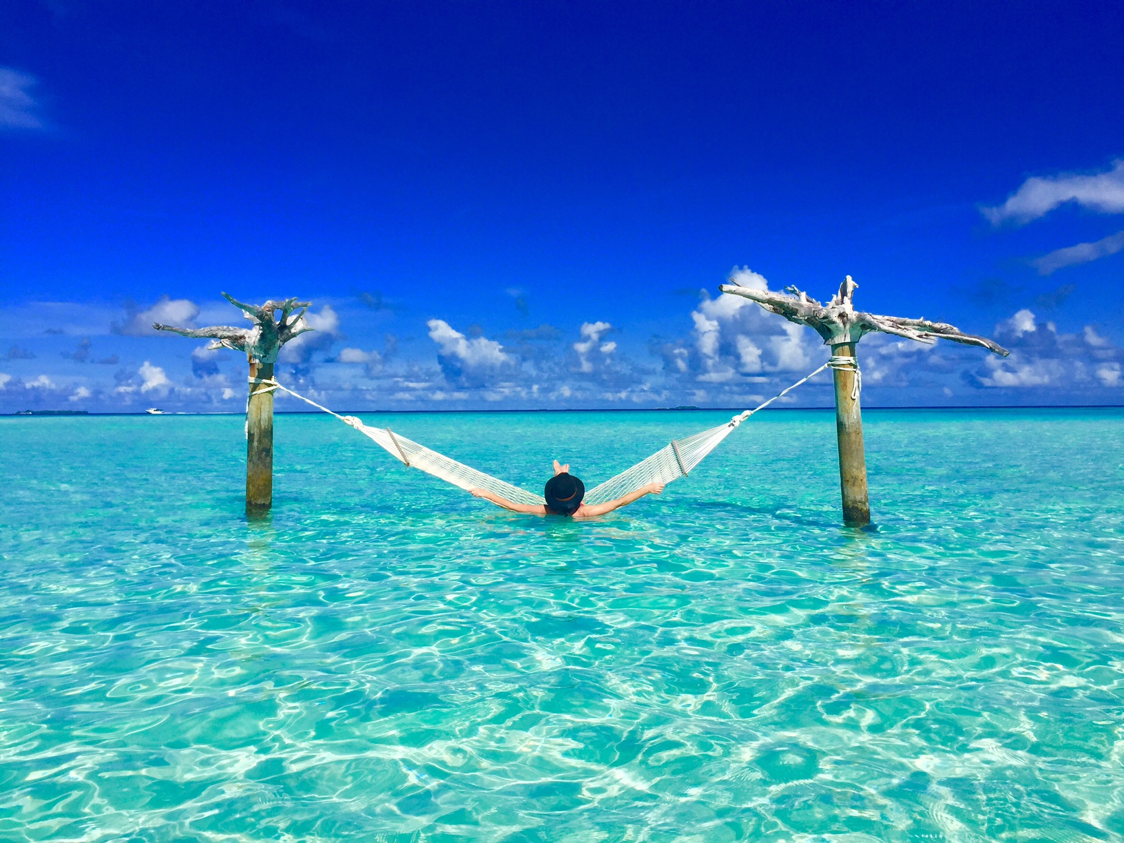 Indian Home Girl Wallpaper The Crystal Clear Waters Of Maldives