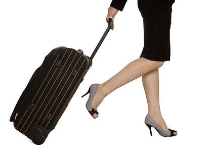 手持ちの旅行カバンと言えばこれ!旅行を楽しめる厳選3選