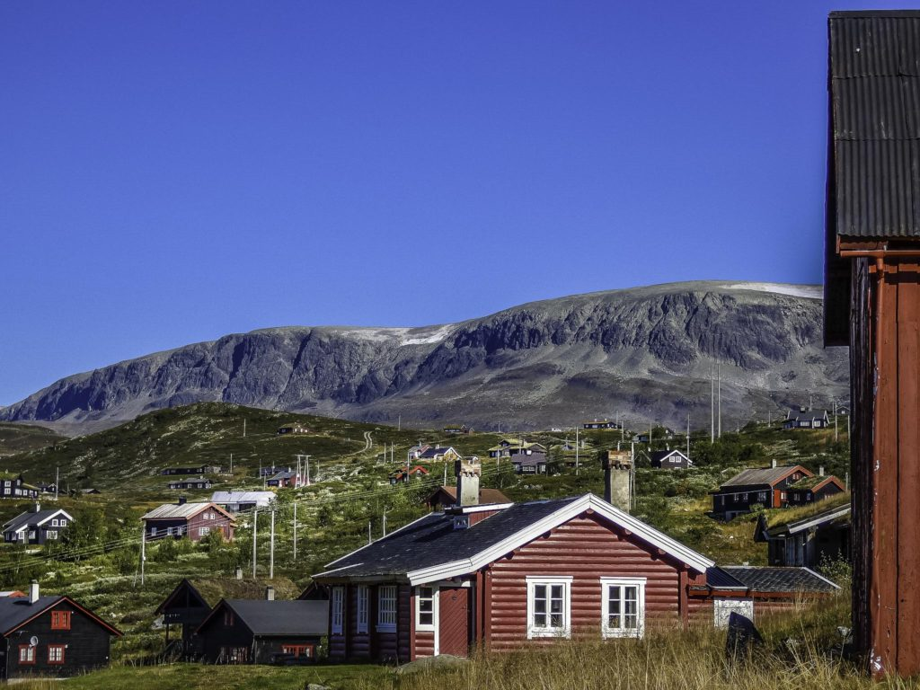 Norway Train Norway By Train Across Mountains And Through Time Travel Examiner