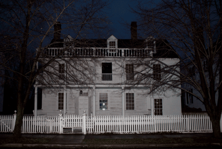 Oldest House in Cambridge haunted by the floating soldier