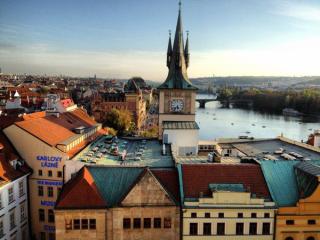 Couchsurfing Europe: Amsterdam & Prague