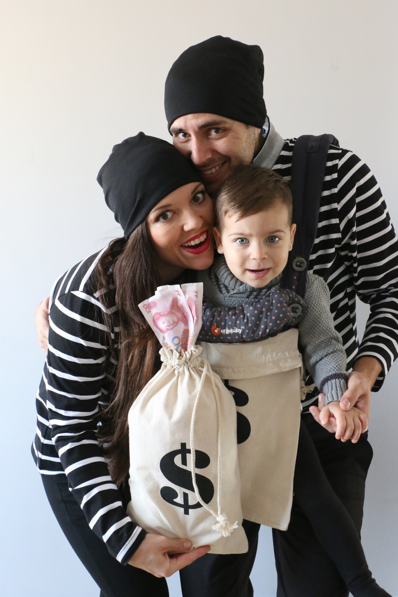 Diy Bank Robber Shirt Diy Family Costume Bank Robbers Traveling With Jc
