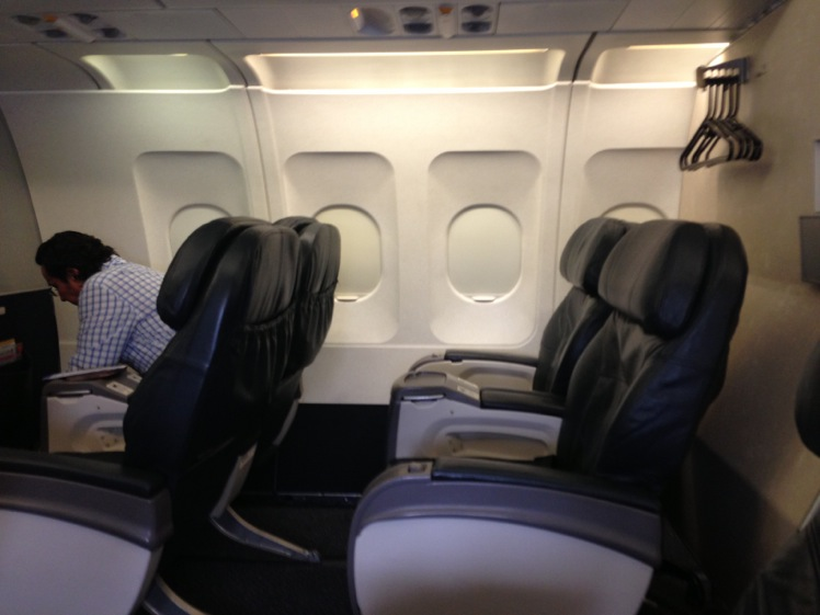 United Airlines Business Class A319 Mexico City To San