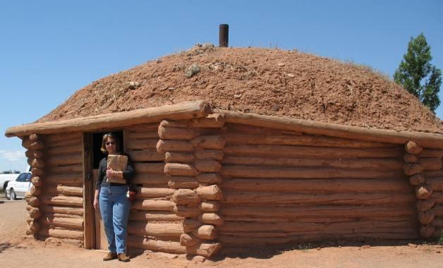 Navajo hogan near near free cottonwood campground canyon