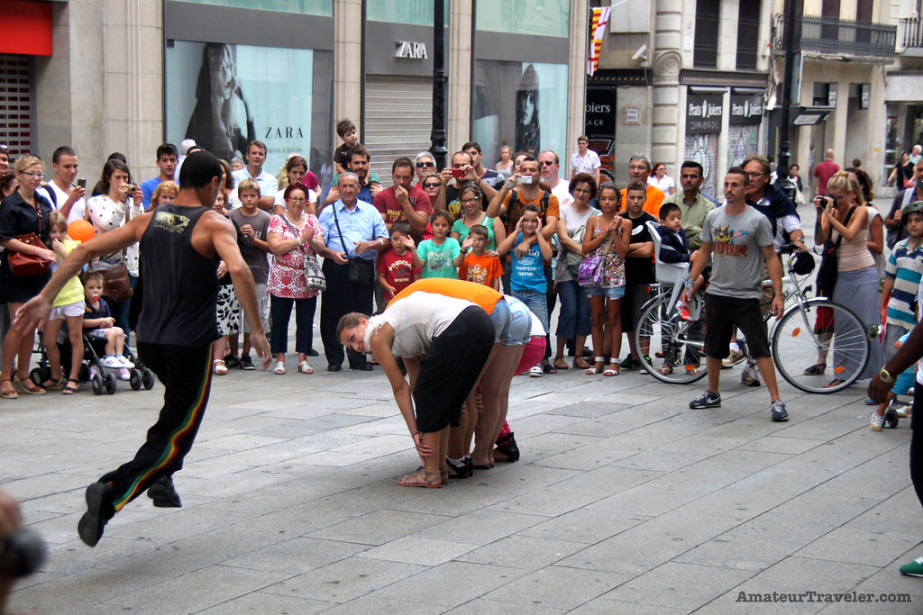 Street Gymnast - Barcelona, Spain - Photo