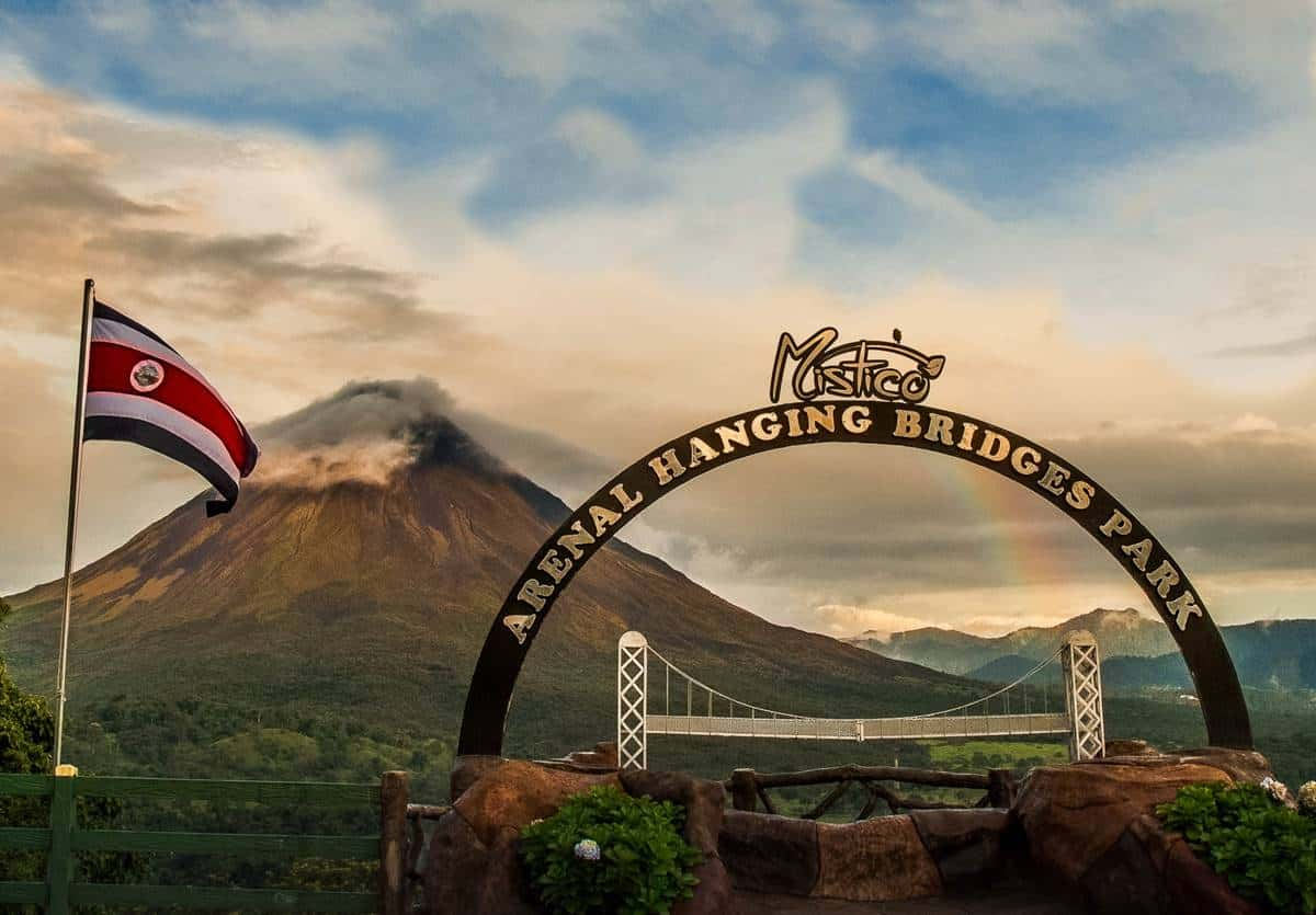 Walking Travel Guide to La Fortuna, Costa Rica - Travel To Blank ...