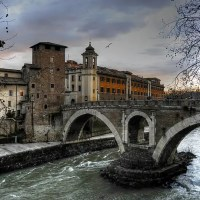 The romance of Rome by twilight #FriFotos #night