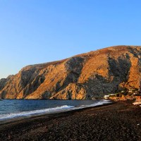 Top 15 Things to See, Do and Eat on Santorini